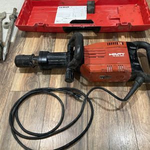 HILTI TE 905-AVR Breaker Hammer for Sale in Chicago Ridge, IL