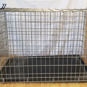 Large Wire Dog Kennel Crate 36L X 23W X 24H for Sale in Phoenix, AZ