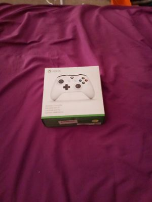 X box one = 1 Turtle Beaches Headset (UnoPened) & 1 wireless controller for Sale in Peoria, AZ