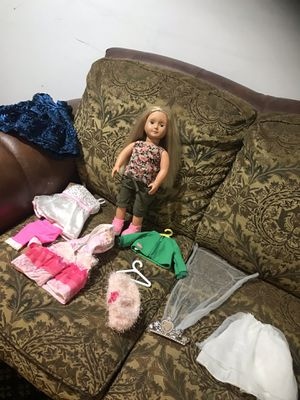 OG 18 inches doll with extra clothes for Sale in Alexandria, VA
