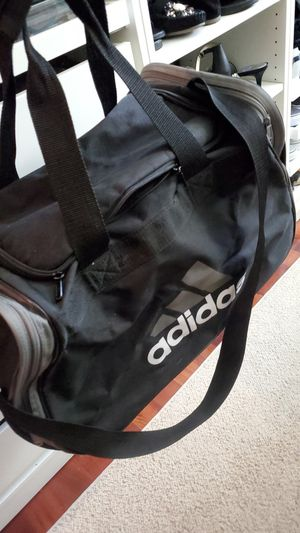 Adidas duffle bag for Sale in Woodbridge, VA