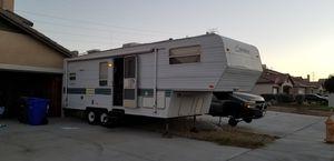 28ft Sprinter fifth wheel camper for Sale in Victorville, CA