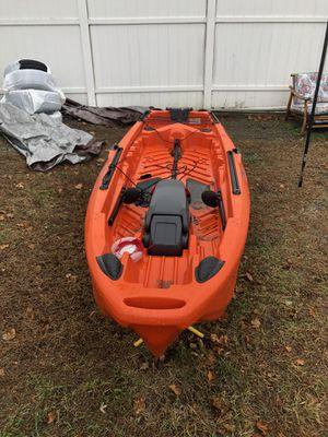 Jonny boat bass 100 kayak for Sale in Lowell, MA