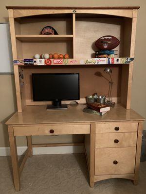 Desk w/hutch for Sale in San Diego, CA