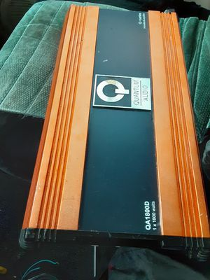 AMPLIFICADOR AMPLIFIER 1800 WATTS 2 CHANELS GOOD CONDICIÓN ABLO ESPAÑOL for Sale in Stockton, CA