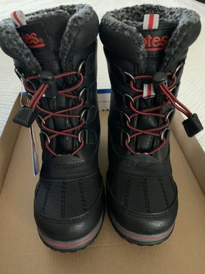 Boys Snow Boots size 1 for Sale in Moapa, NV