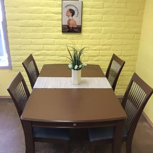 Dining Table With Chairs for Sale in Spring Valley, CA
