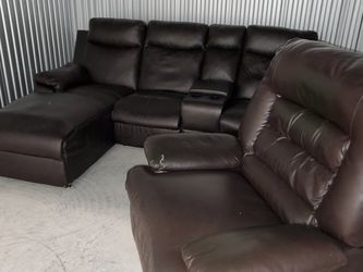 Gorgeous Faux Leather Sectional and Recliner for Sale in Edgewood,  FL