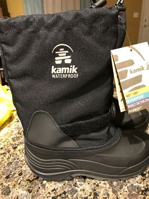 Kamik Big Kids Snow Boots Size 5 for Sale in Hanover Park, IL