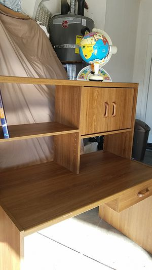 Kids desk for Sale in Adelanto, CA