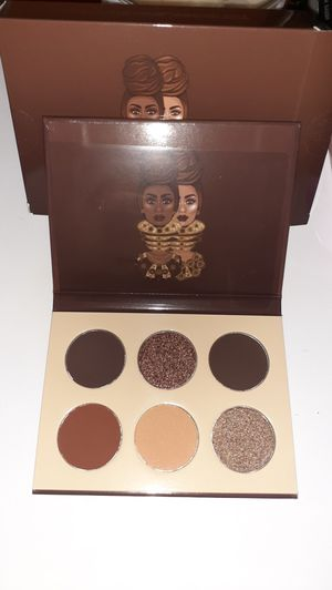 New makeup eyeshadow for Sale in Dallas, TX