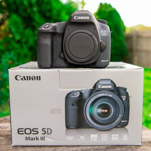 Canon 5D mark iii for Sale in Richardson, TX