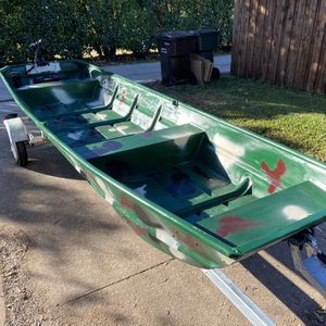 Great Jon Boat w/ a Trailer! New Battery! New Trolling Motor! for Sale in Plano, TX
