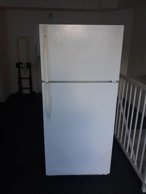 Kenmore refrigerator MUST GO TODAY for Sale in Los Angeles, CA