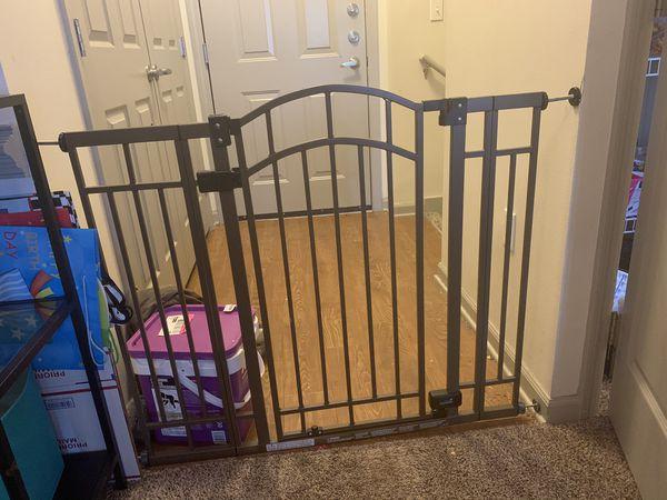 Nice SUMMER metal baby gate!