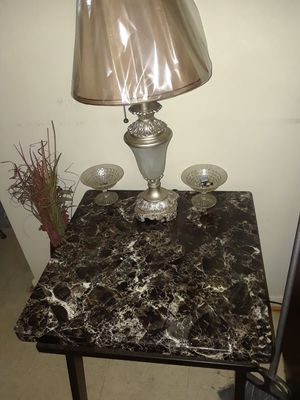2 End tables and Center piece with lamps for Sale in Danville, VA