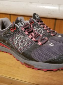 Pearl Izumi Mens Shoes 10 for Sale in Manteo,  NC