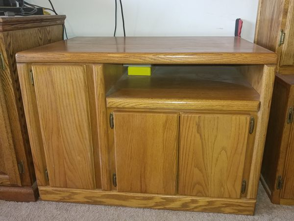 Nice wood tv stand entertainment center 36wide x24x24