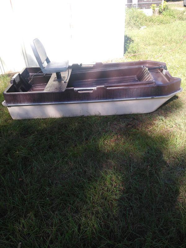 Bass raider boat