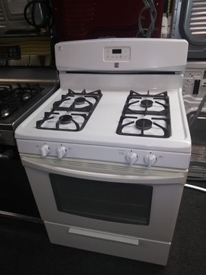 Kenmore white gas stove in exellent condition for Sale in Laurel, MD