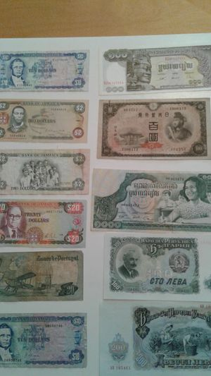 Foreign paper money for Sale in Inverness, FL