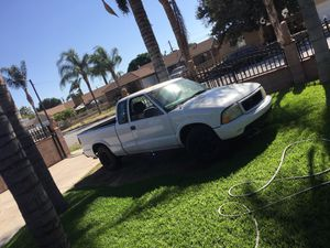 GMC Sonoma for Sale in Bloomington, CA