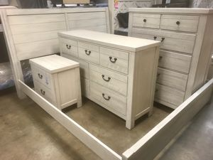 New King Bedroom ~ MADE IN USA for Sale in Virginia Beach, VA