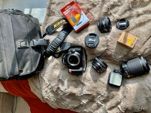 Nikon D40 Camera with 3 FREE Lens, extra flash, camera bag, and battery! for Sale in Washington, DC