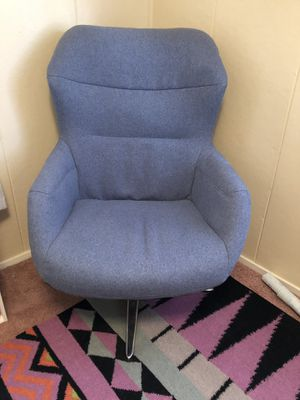 Swivel armchair for Sale in Beaumont, CA