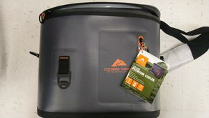 Ozark Trail 24 Can Premium Cooler for Sale in Bowie, MD