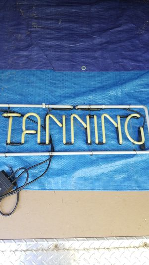 Tanning Light $15 for Sale in Naples, ME