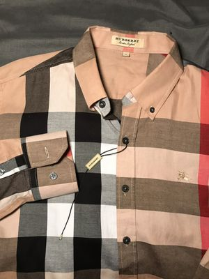 burberry shirt for Sale in Lawrenceville, GA