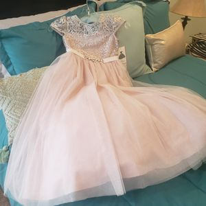 Little Oscar's Flower Girl dress, beautiful sparkles in netting! for Sale in Cuyahoga Falls, OH