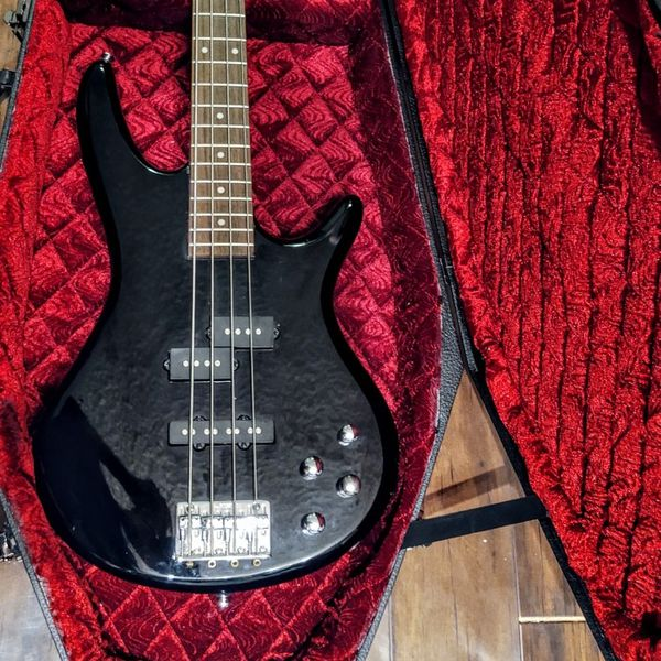 Ibanez Bass GSR With Coffin Case