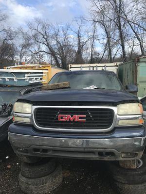 "2001 GMC Yukon XL ""Parts only"" for Sale in Elkridge, MD"
