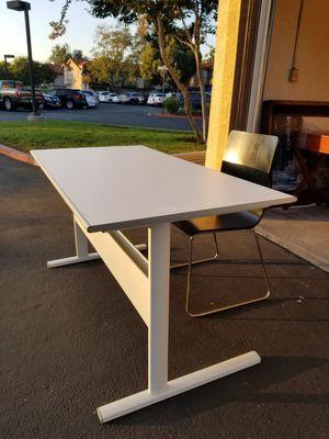 Desk & Chair for Sale in Rancho Santa Margarita, CA