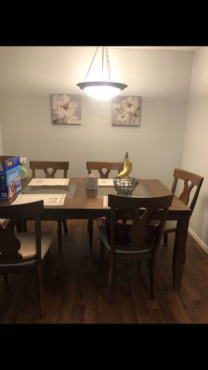 Chestnut color wooden diner table with 6 chairs for Sale in Benbrook, TX