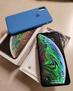 iPhone XS Max 256gb Factory Unlocked for Sale in Brentwood, CA