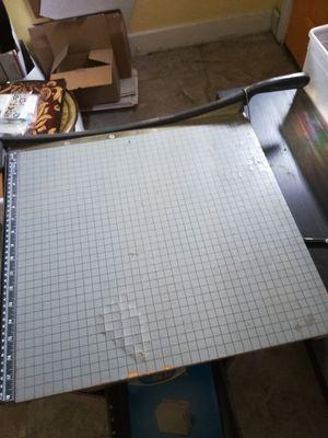 Free paper cutter for Sale in Largo, FL