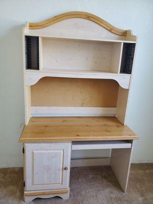 Wooden Desk for Sale in Murrieta, CA