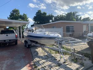 1988 bayliner trophy center console for Sale in Hialeah, FL