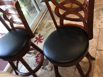 2 Swivel Counter Size Stools / Bar Stools for Sale in Diamond Bar,  CA