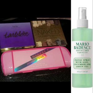 Makeup bundle: spray, brushes, and palletes for Sale in Pasadena, CA