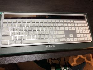 Logitech K750 Wireless Solar Keyboard for Mac w/ Unifying Receiver for Sale in Seymour, IN