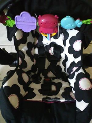Evenflo infant car seat and base for Sale in Tampa, FL