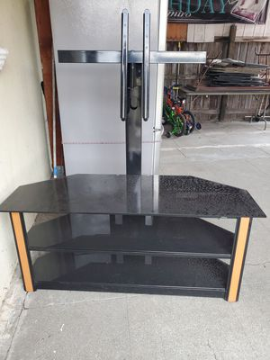 Stand TV completely intact, we only use it one month $ 50 for Sale in Oakland, CA