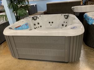 Hot Tub, New ! for Sale in Anaheim, CA