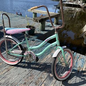 Girls Schwinn Bike for Sale in Tampa, FL