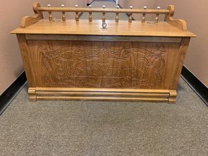 Antiques art chest excellent condition for Sale in Bellevue, WA