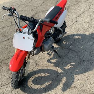 Crf 50 Honda Dirt Bike for Sale in Fresno, CA